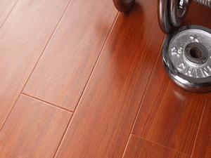 选用德国原装进口花色纸,尽情释放原木色彩魅力。高科技的钢化处