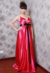 红色礼服   心妆婚纱婚典