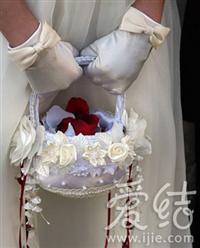 婚纱手套举手间的惊艳