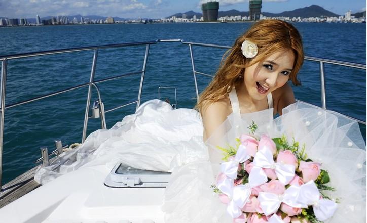 海上游艇婚纱拍摄