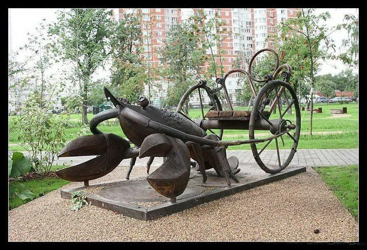 俄罗斯街头十二星座雕塑