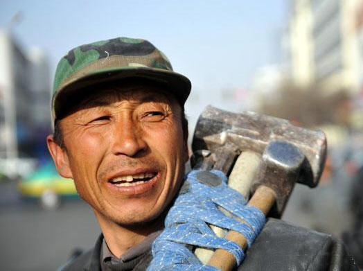 关注农民工 维护农民工权益