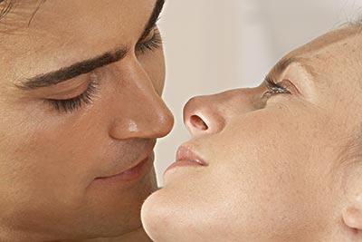 [原创]最新发现接吻可以提高免疫力,减少胎儿患病