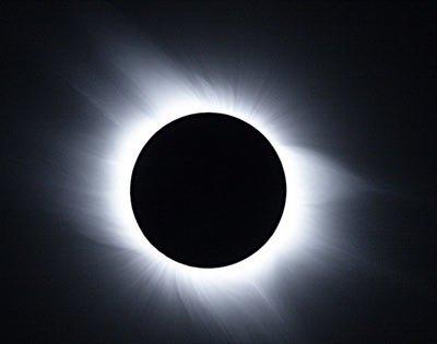 [转贴]科普知识:日食形式、日食演变过程解析