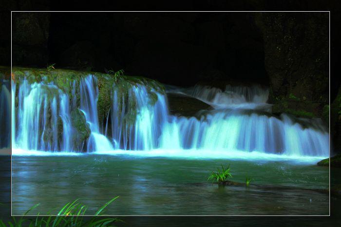 壁纸 风景 旅游 瀑布 山水 桌面 700_467
