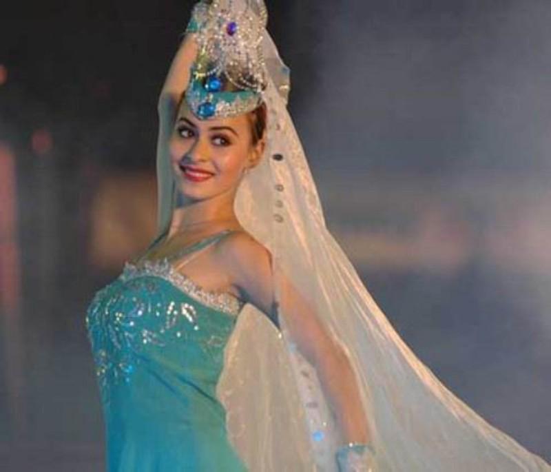 新疆美女《维吾尔族》