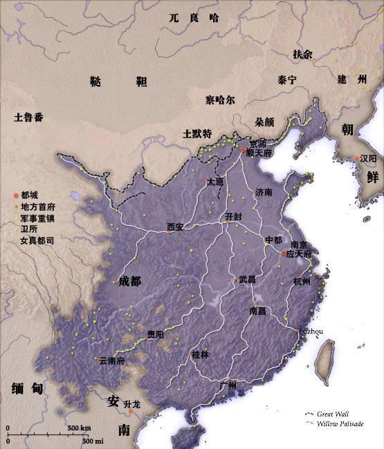 那时以前的文物在赤峰红山谷村出土称红山文化(1955年)曾在敖汉旗出土