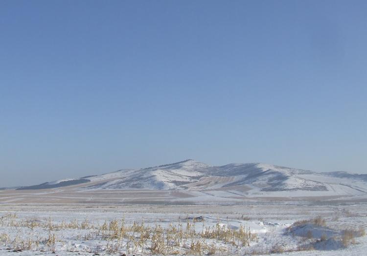 桦南雪山风景图片