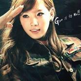 时尚性感的韩国女兵