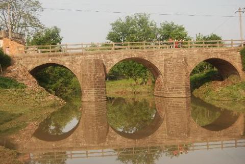 澳门威尼斯人网址县晏河乡杨帆桥是一座明代石拱桥