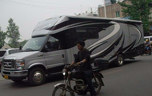 广汉的好车---房车和加长林肯