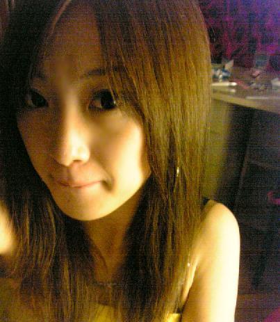 现在的妹儿不得了了,美女涩小涩数码相机自拍生活照(图片)