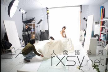 拍摄典雅的高调婚纱