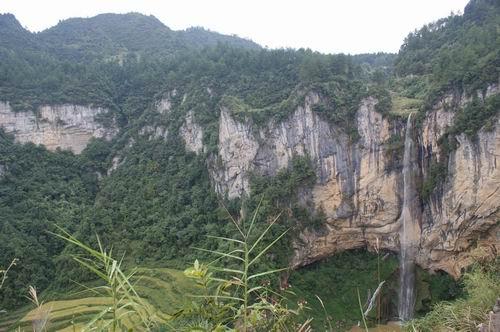 泸州古蔺县碧云山景区发现川黔最高悬空瀑布