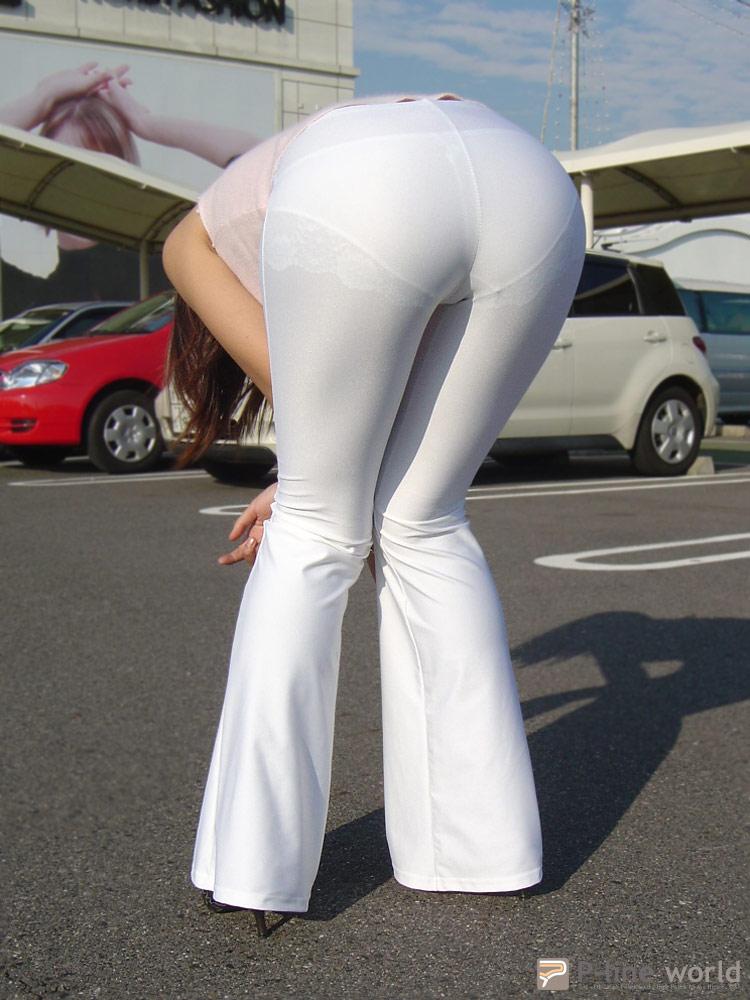紧身裤性感美女图片