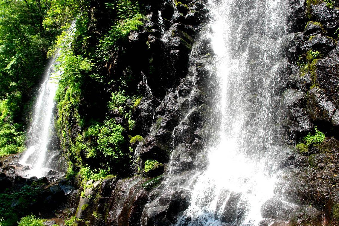 壁纸 风景 旅游 瀑布 山水 桌面 1134_756