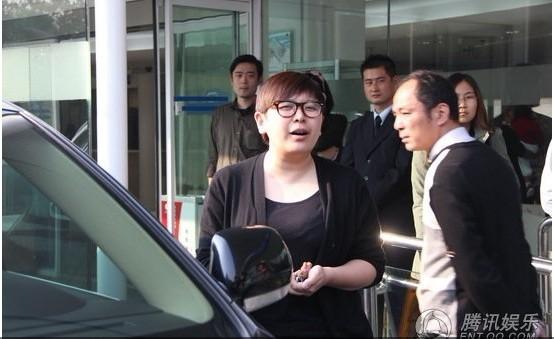 [推荐]孙俪产下7斤男婴邓超摆酒庆祝