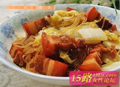 [推荐]经典家常菜——白菜猪肉炖粉条的做法
