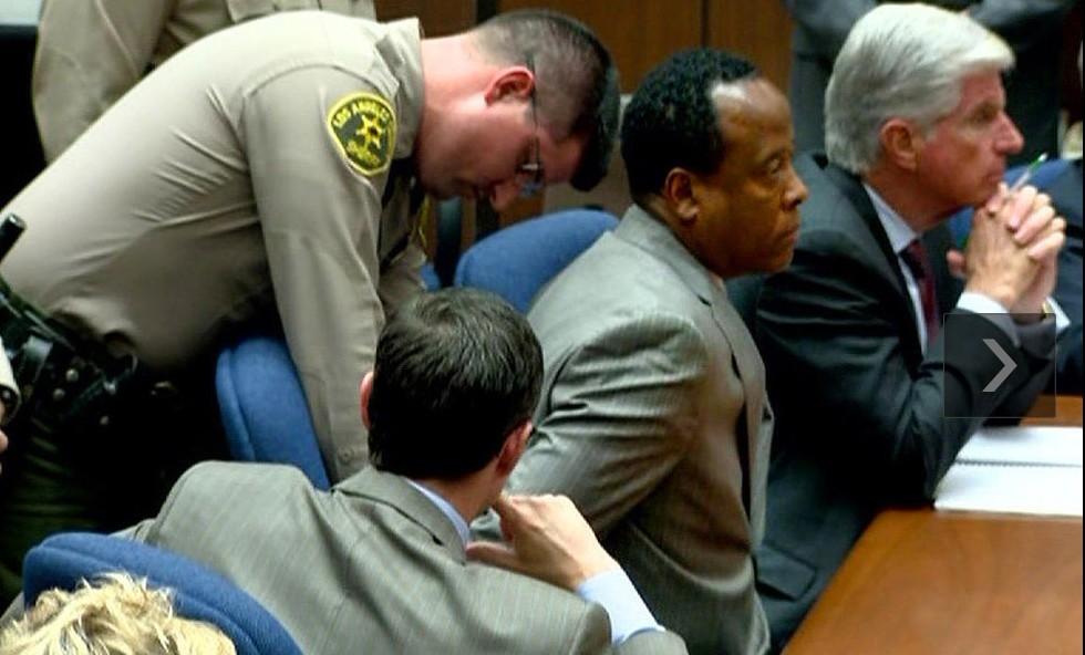 [公告]迈克尔-杰克逊私人医生被认定犯过失杀人罪