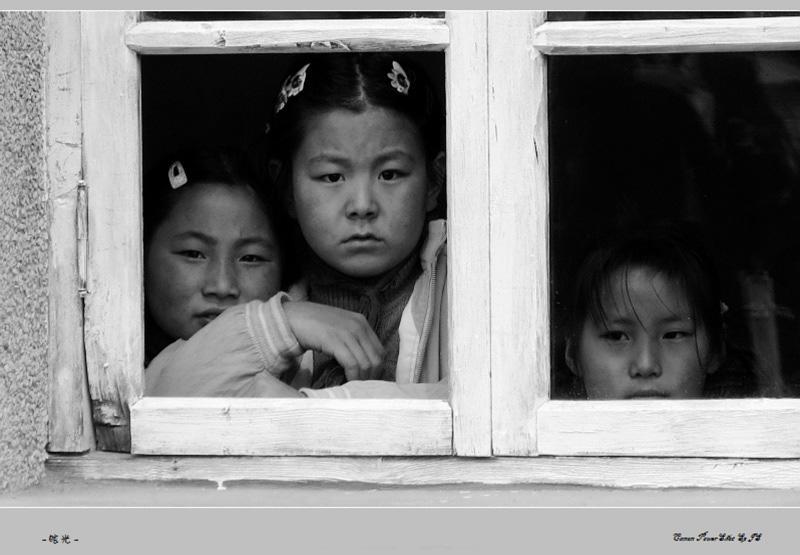 发一组在义县扶贫助学的照片图片
