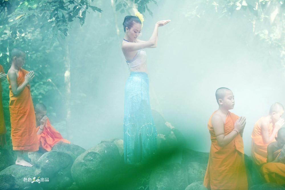 [贴图][转贴]最美瑜伽教练母其弥雅