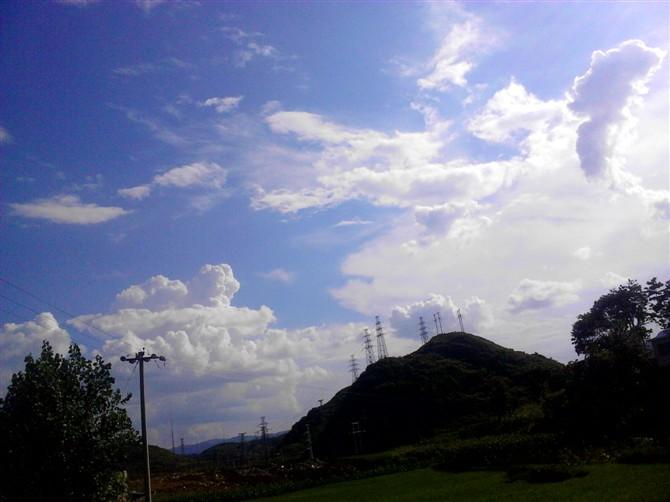 �Y安  云下的日子