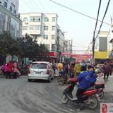 周末,泗县热闹的街