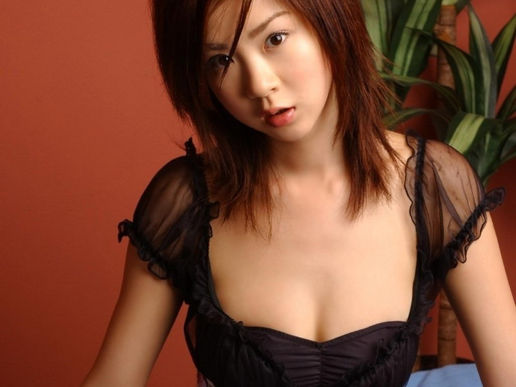 星野亚纪_不老神话:长相似14岁的33岁日本女模 星野亚希