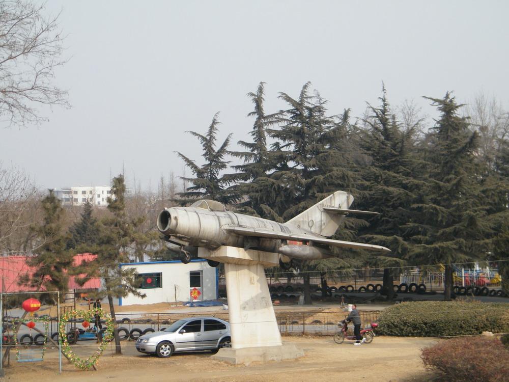 莱西最古老的飞机 | 宽1000x750高 | 显示比例:96% |  | 图片