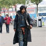街头流浪的乞丐