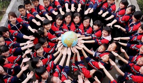 """[推荐][转贴]江西中学生独特创意迎""""世界地球日"""""""