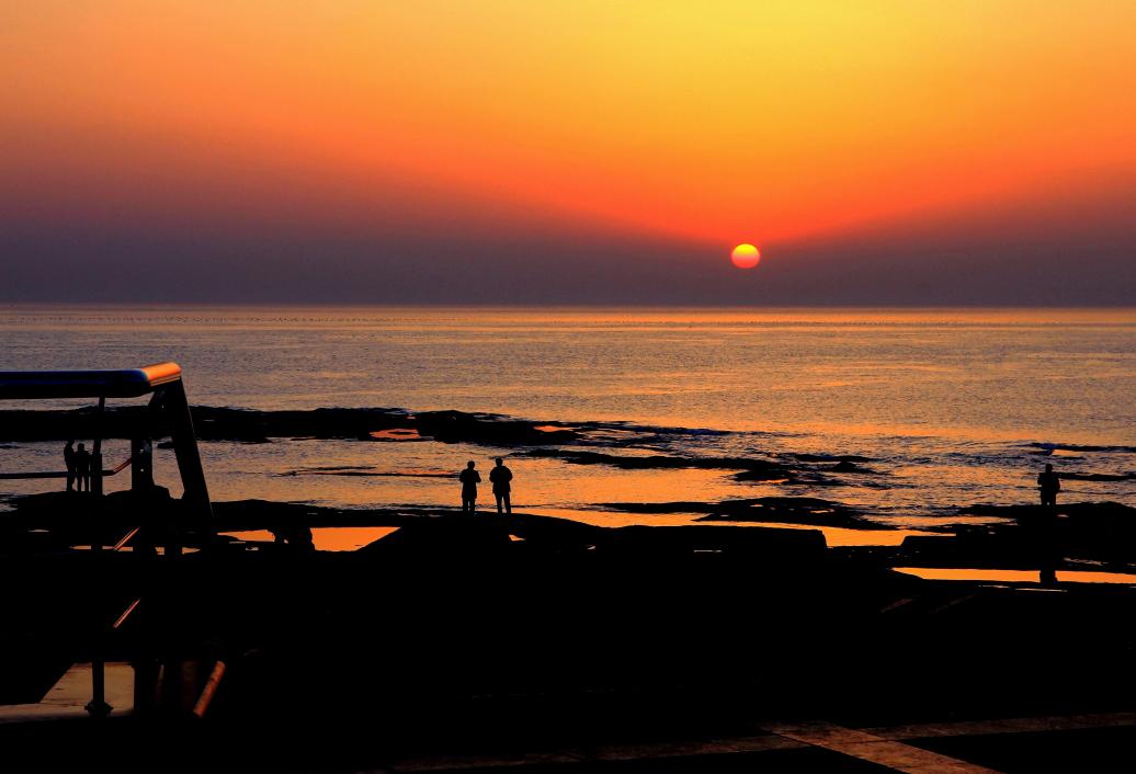 [转贴]海边日出