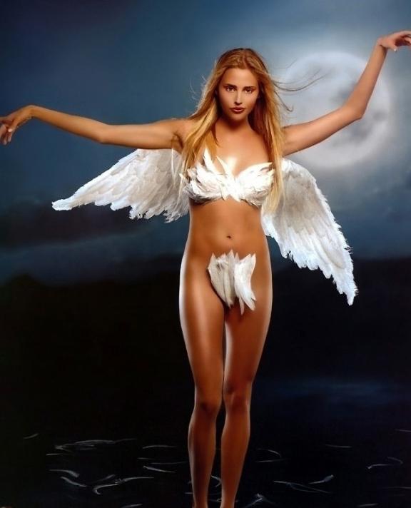 堕入凡间的天使