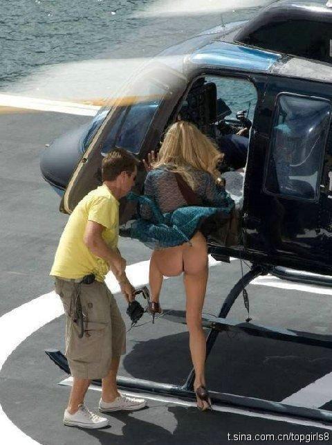 [转贴]一美女上飞机惊现走光,有图有真相