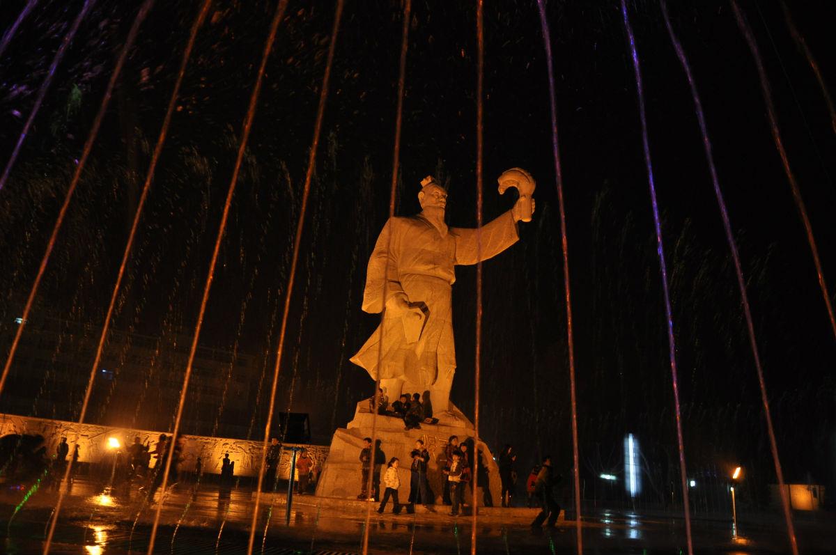 稷王文化广场夜景喷泉