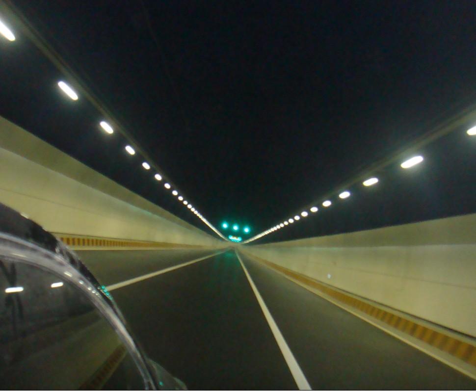 青岛胶州湾隧道