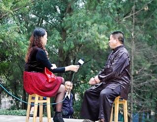 自贡电视台《百姓说事》专访富顺英杰武馆总教练、自贡禅悟道技击研究会会长杨斌。