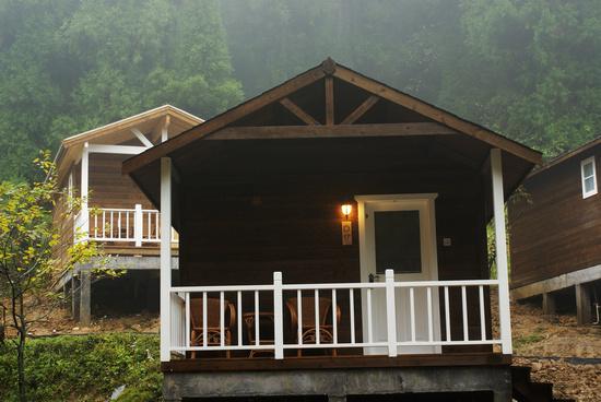 [分享]坪坝营-森林小木屋