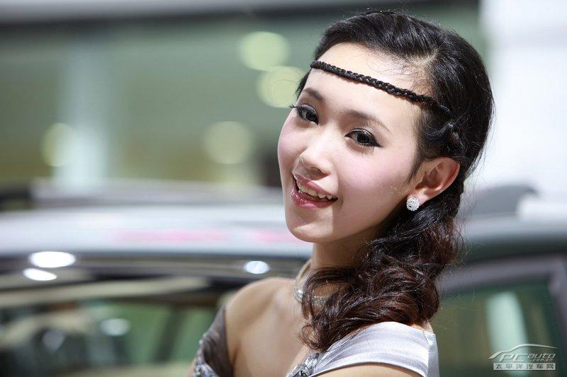 2012北京车展美女车模――奇瑞甜美俏佳人车模