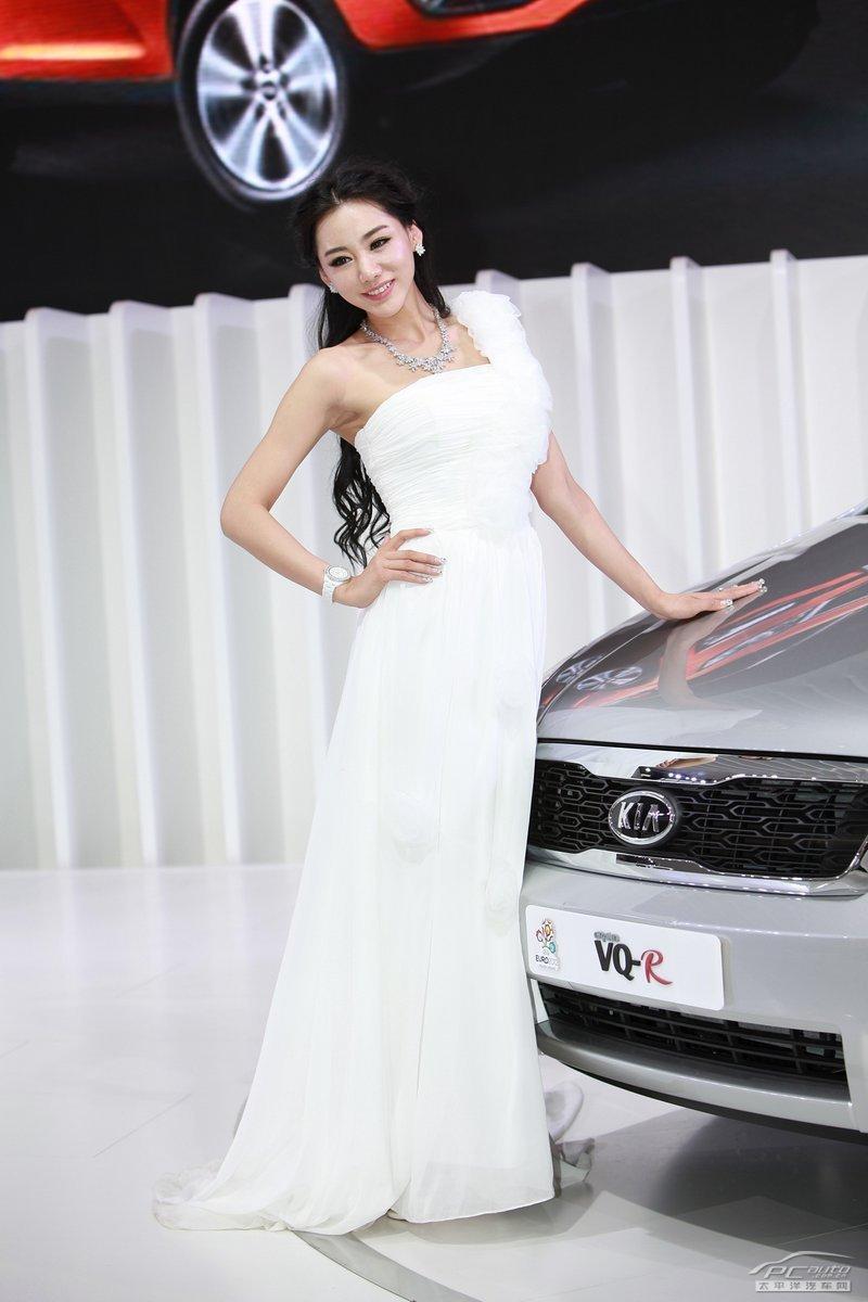 2012北京车展美女车模――起亚金美辛