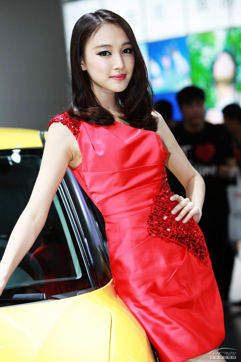 2012北京车展美女车模――铃木车模冯珂