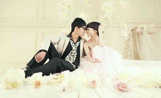 粉色的浪漫爱情婚纱摄影欣赏