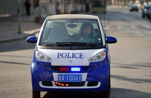 济南又现奔驰Smart警车(图)