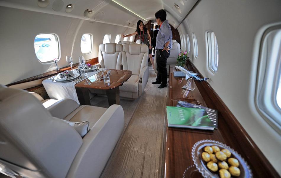 国内明星大碗的私人飞机照片组图