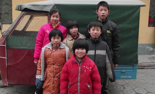 21日去南乐小康村看孤儿院的那些可怜的孩子们!!!