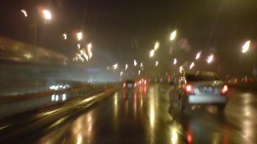 夜间驾驶小技巧 晚上行车要注意