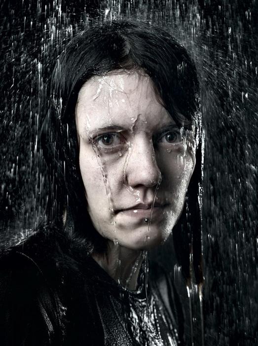 [贴图]人像摄影:冷水浇头,有没有让你有一种毛骨悚然的感觉!