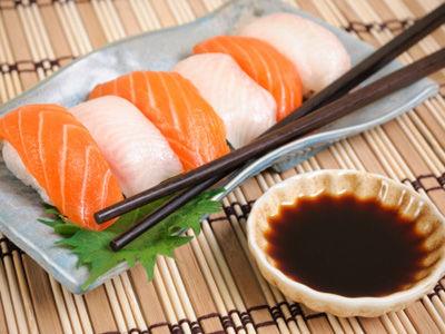 """传说中的""""健康食品""""可能让你赘肉横生"""