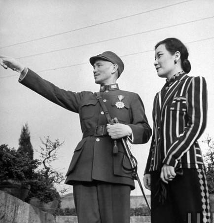 """蒋介石死亡之谜:宋美龄下了一道""""催命符"""""""