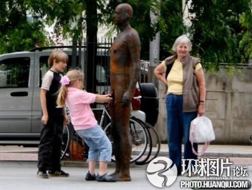 恶搞雕塑的牛人们